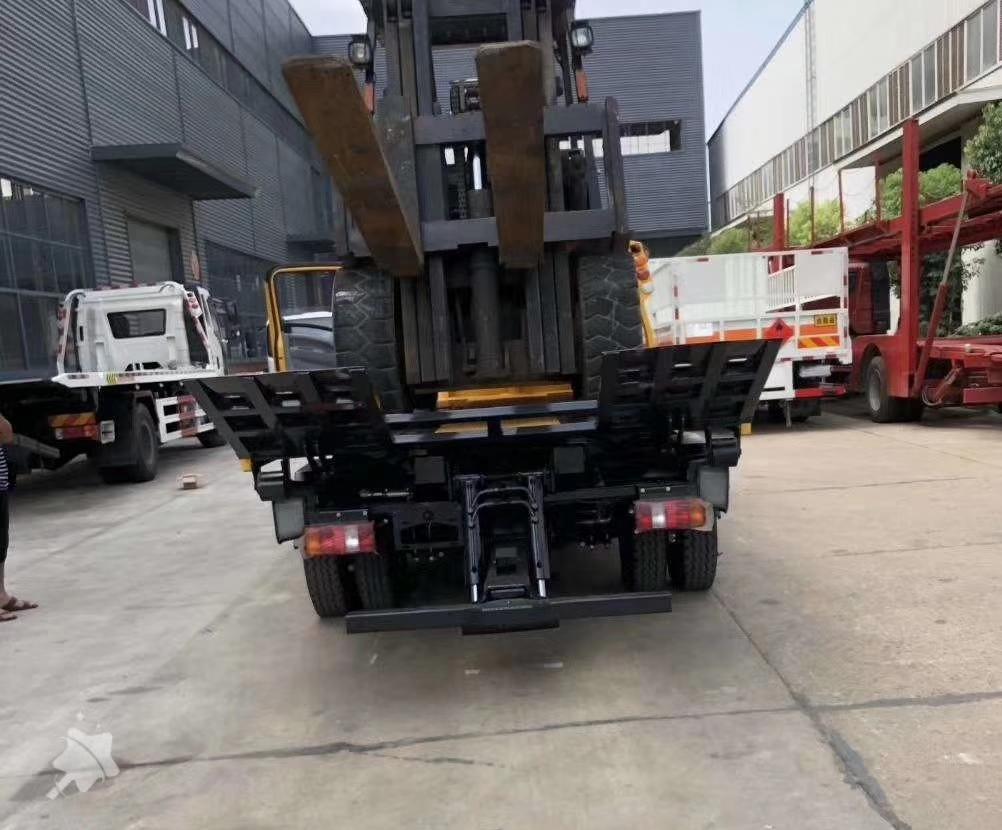 國五排放重汽豪沃藍牌一拖二清障車救援拖車圖片
