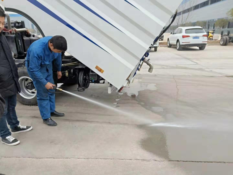 國六東風8方洗掃車作業視頻