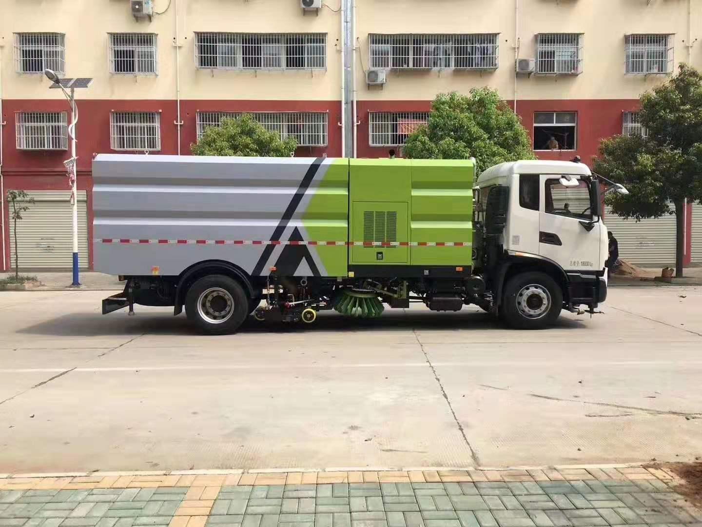 国六天锦洗扫车集扫路车洒水车清洗车于一身图片