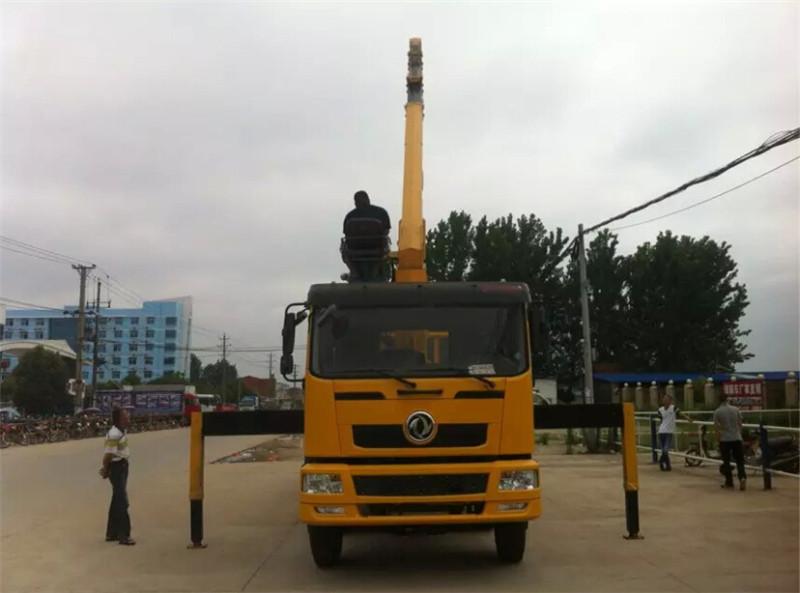 东风12吨随车吊 徐工随车吊图片