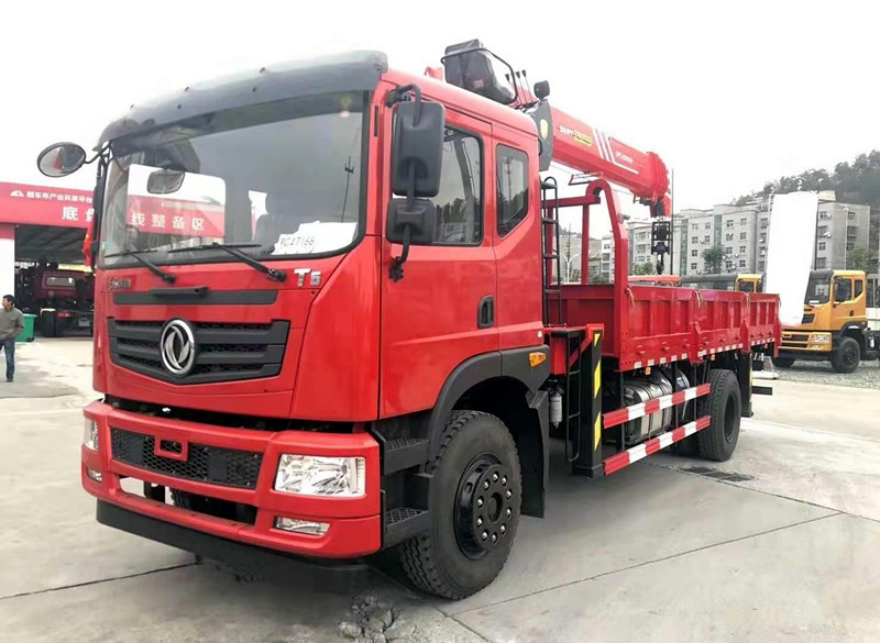 东风华神T5系列8吨随车吊