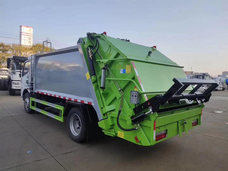 四臺壓縮垃圾箱,可匹配D9、天錦套臂垃圾車使用