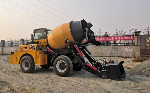 小型自動上料水泥攪拌車_價格