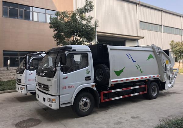 东风多利卡8方压缩式垃圾车 (7)