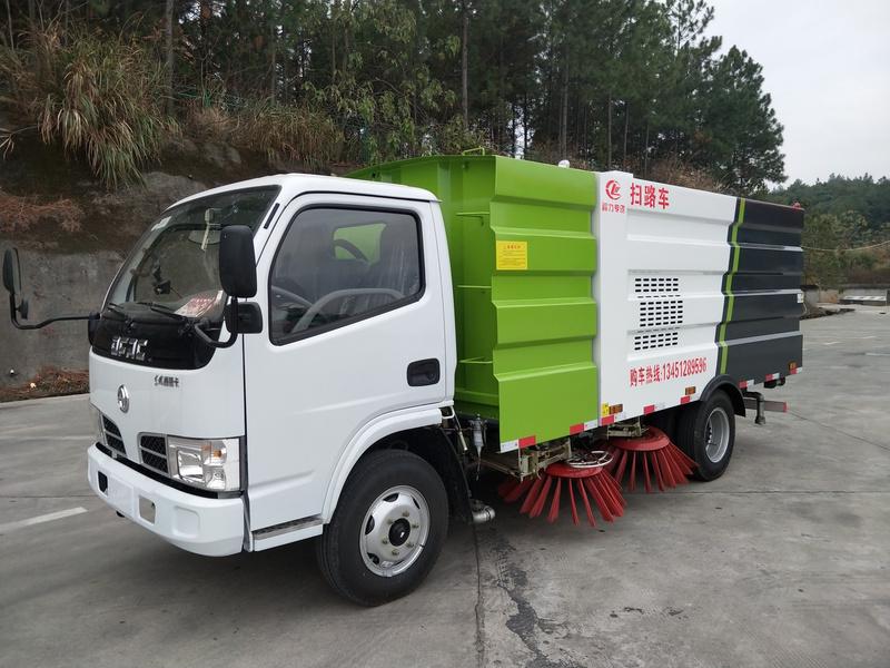 温州市黄总购买一台东风福瑞卡扫路车,清扫吸尘两用途