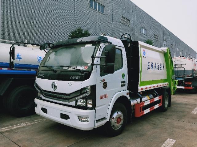 6吨东风多利卡D6压缩垃圾车国六排放朝柴130马力厂家价格