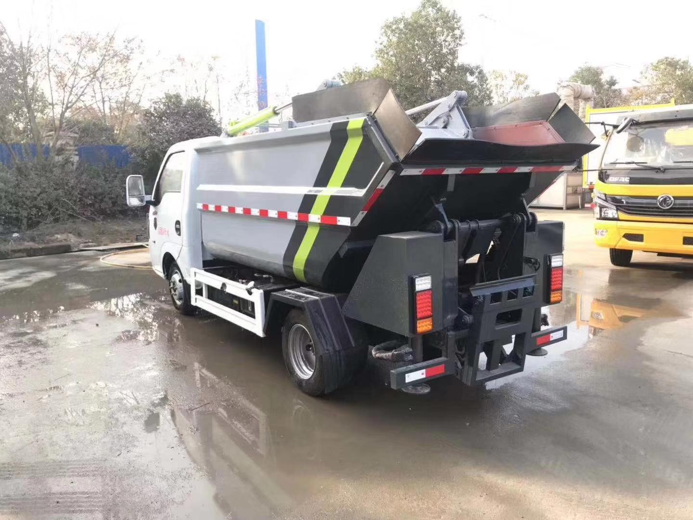 国六东风途逸4方挂桶垃圾车图片