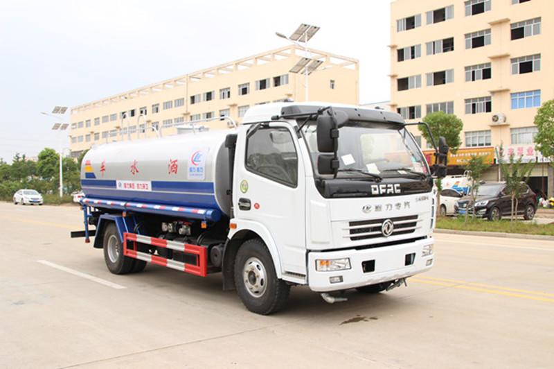 東風多利卡8噸灑水車配置、圖片和價格