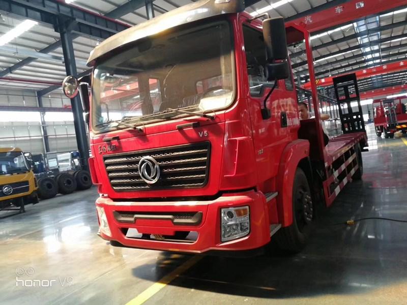 15吨挖机平板拖车-东风品牌高档车型什么价