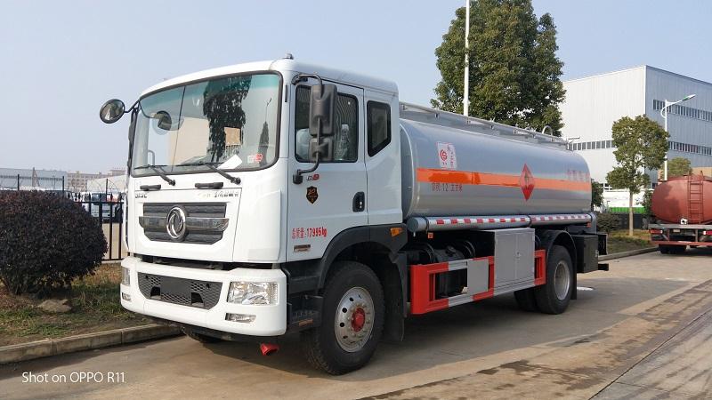 東風D9油罐車價格 額載10噸不超重加油車批發沖量 視頻