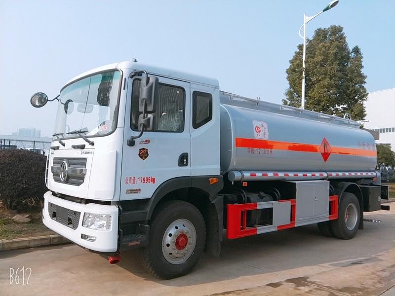 东风D9加油车 钢板悬挂12吨油罐车 厂家包上户 图片 视频