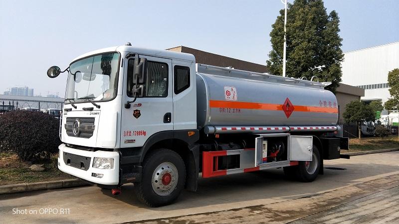 12噸加油車 東風多利卡D9單橋油罐車配置參數 圖片 視頻