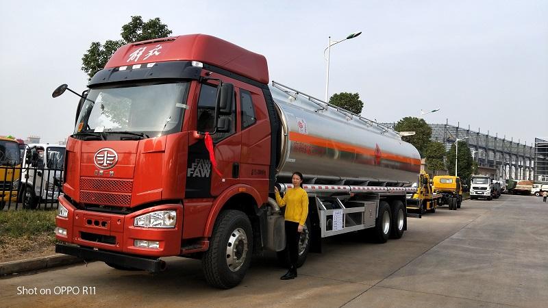 解放J6前四后八鋁合金油罐車氣囊懸架總質量32噸運油車圖片圖片專汽詳情頁圖片