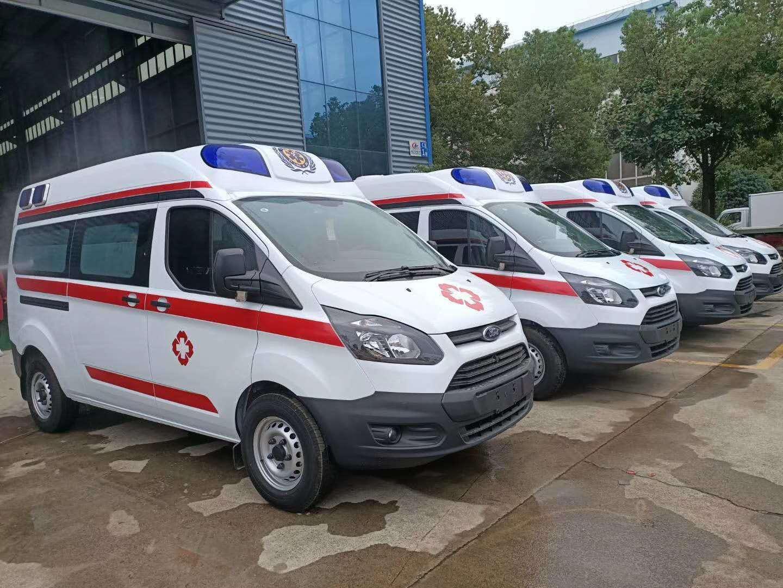 抗疫情,用福特全顺负压监护型救护车
