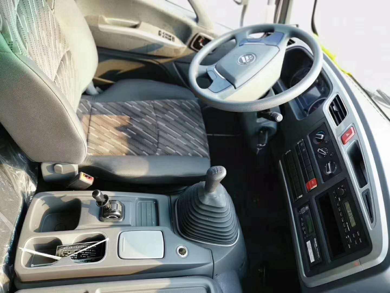 福田歐馬可s5冷藏車六米八箱體圖片