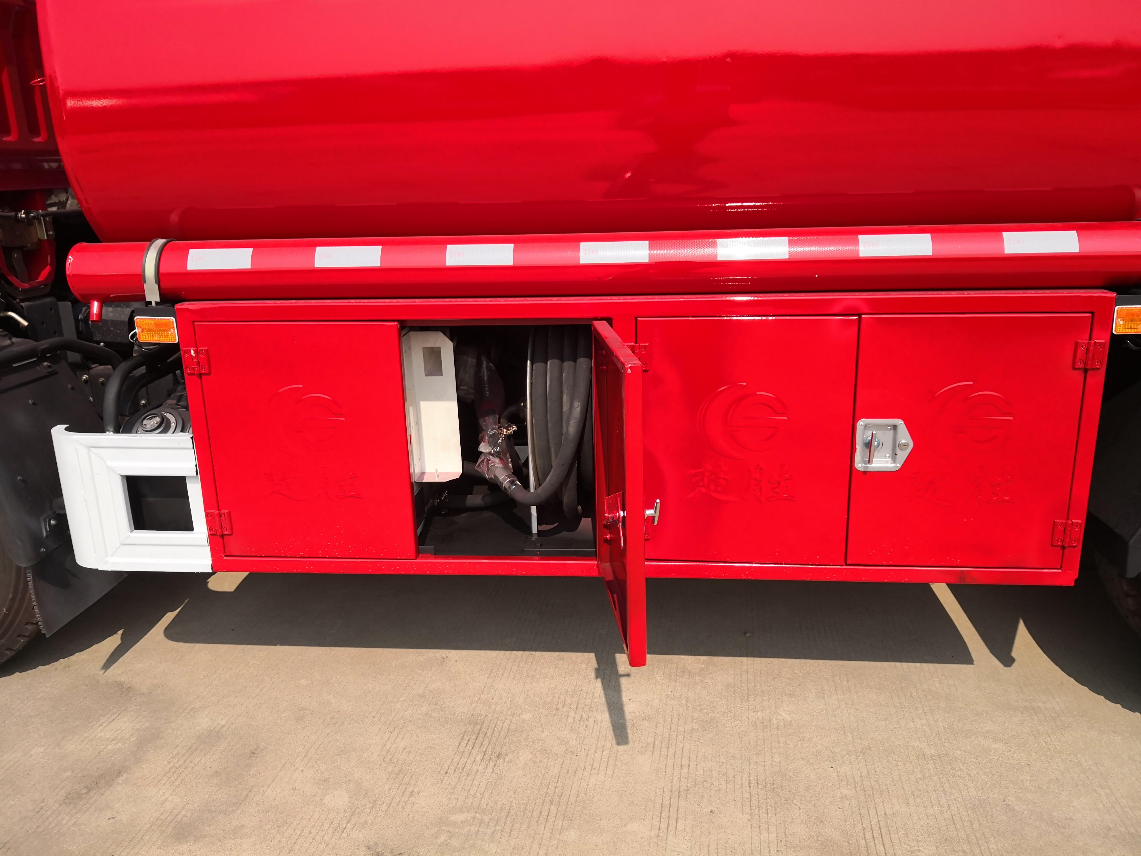 消防8吨加油车 消防队汽柴油加油车图片