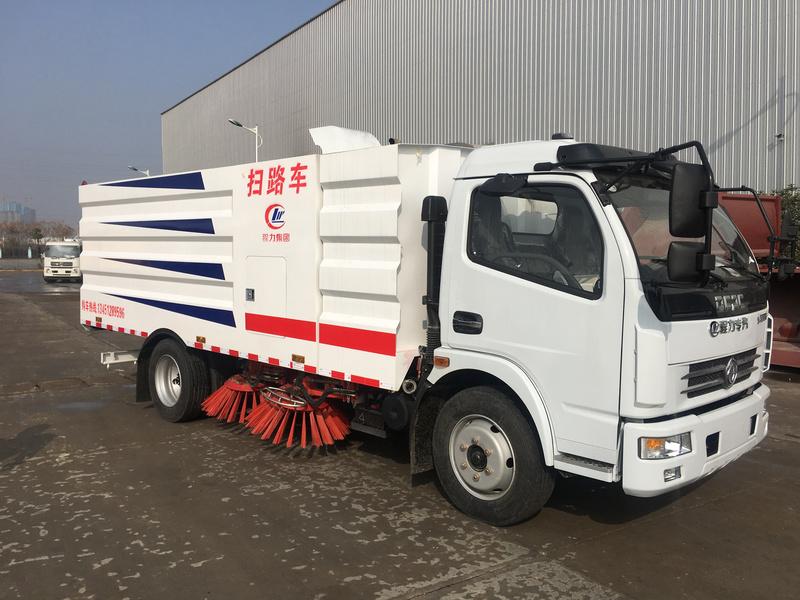 一款更适合水泥厂用的扫路车 发往漯河