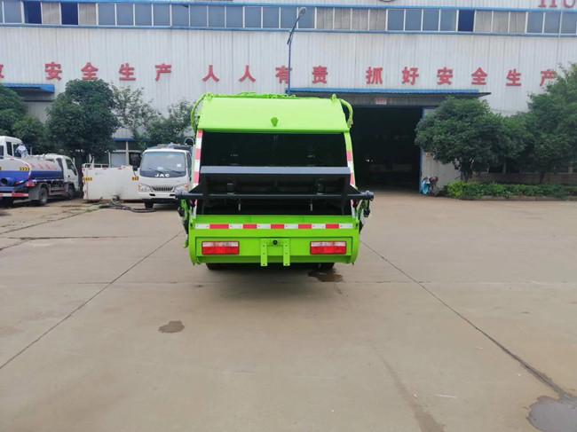 6方東風壓縮垃圾車視頻
