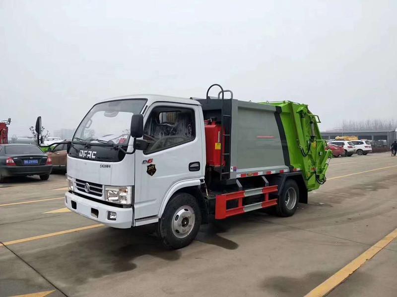 藍牌東風多利卡4方壓縮垃圾車配置  多少錢