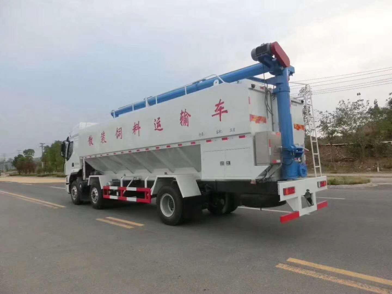 国六柳汽小三轴(30方/15吨)饲料车图片