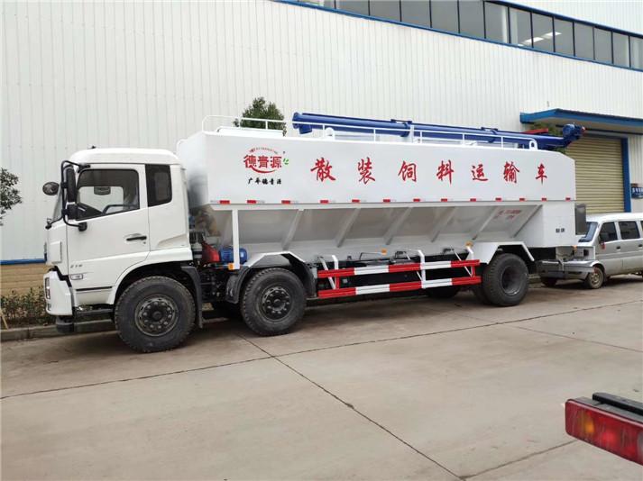散装饲料车厂家报价养殖厂散装饲料运输的重要性