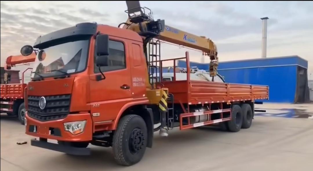 东风新款专底 270马力12吨随车吊视频