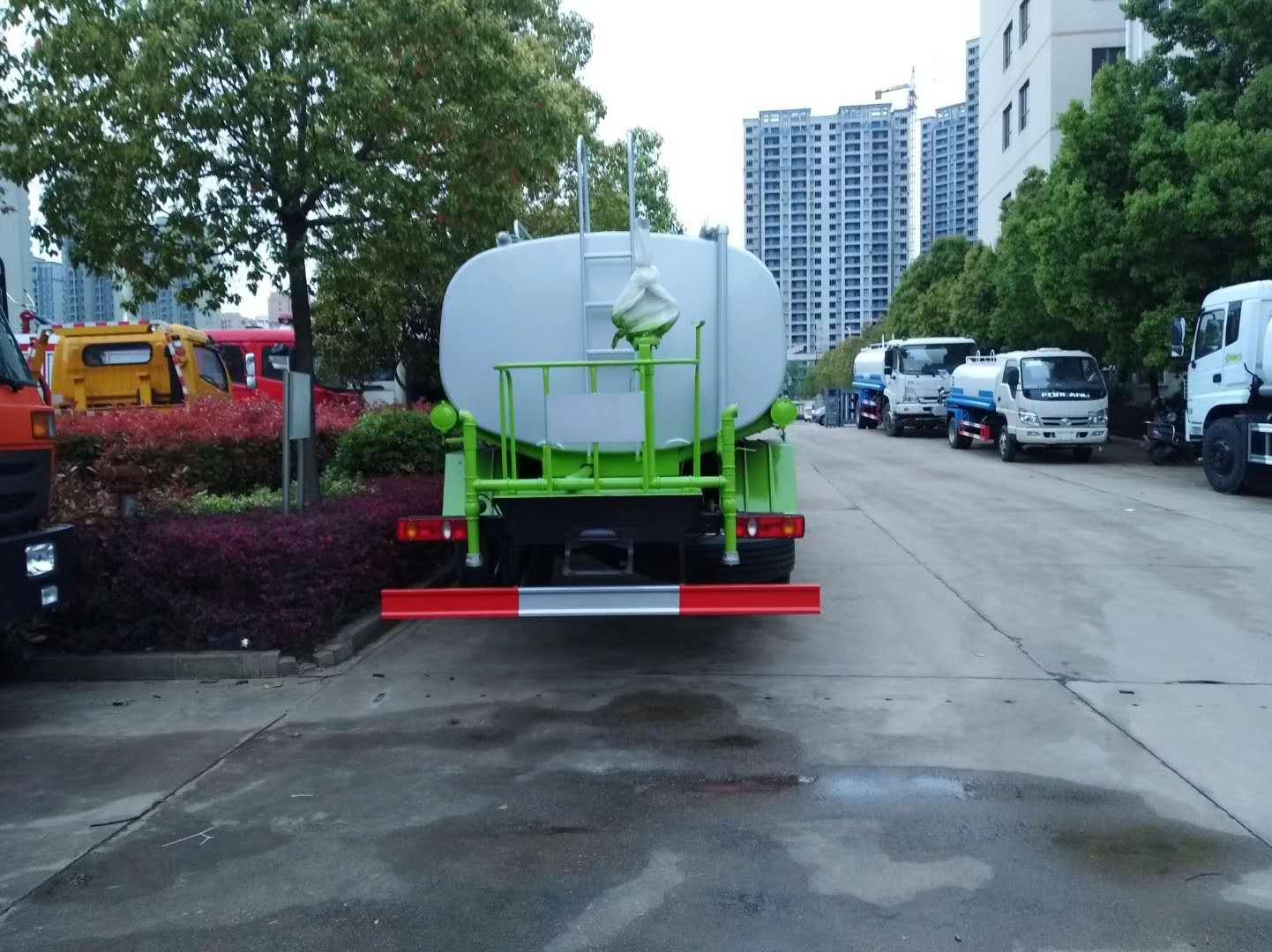 国六东风天锦12方洒水车图片配置图片
