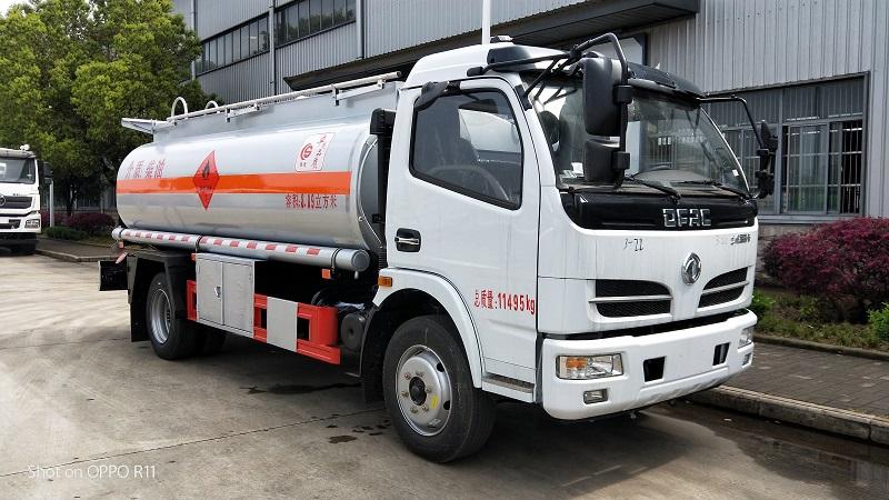 楚胜8吨油罐车适合山路爬坡 东风多利卡8吨加油车视频