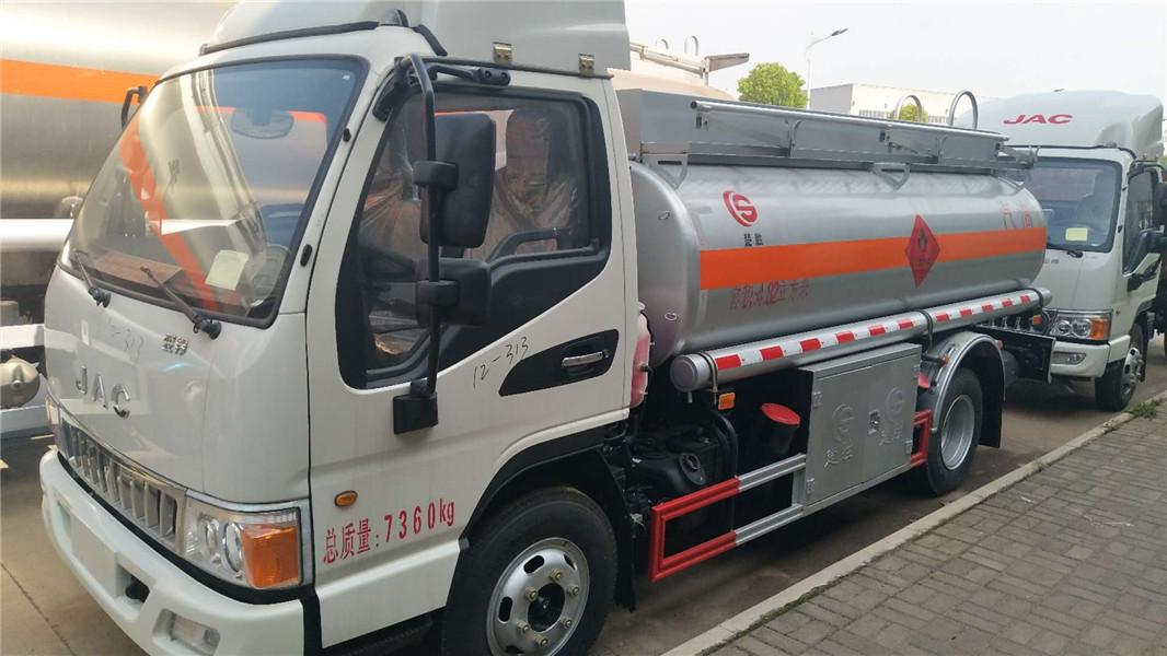 江淮国五5吨加油车,油罐车现低价出售 视频