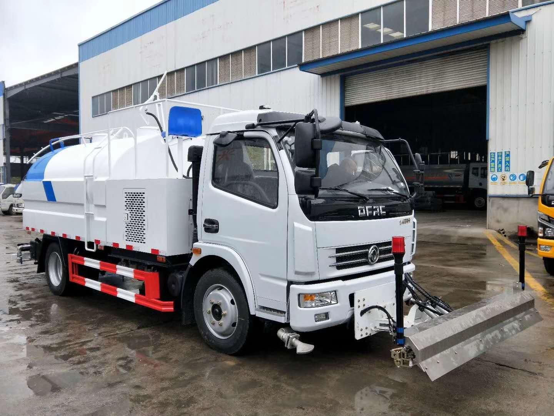 國五東風多利卡路面清洗養護車圖片