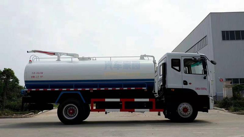 國六東風D9多利卡玉柴200馬力的灑水車圖片