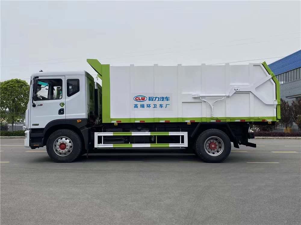 国六D9对接垃圾车图片