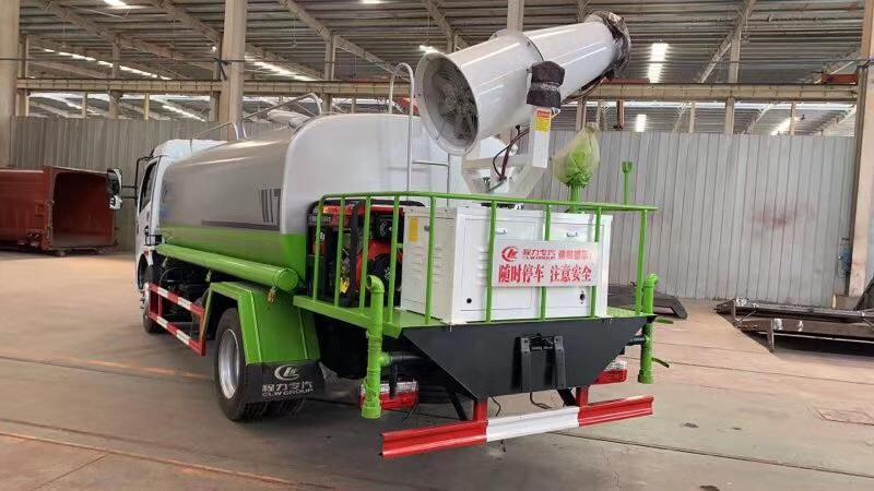 国六洒水车朝柴170马力8吨洒水车图片