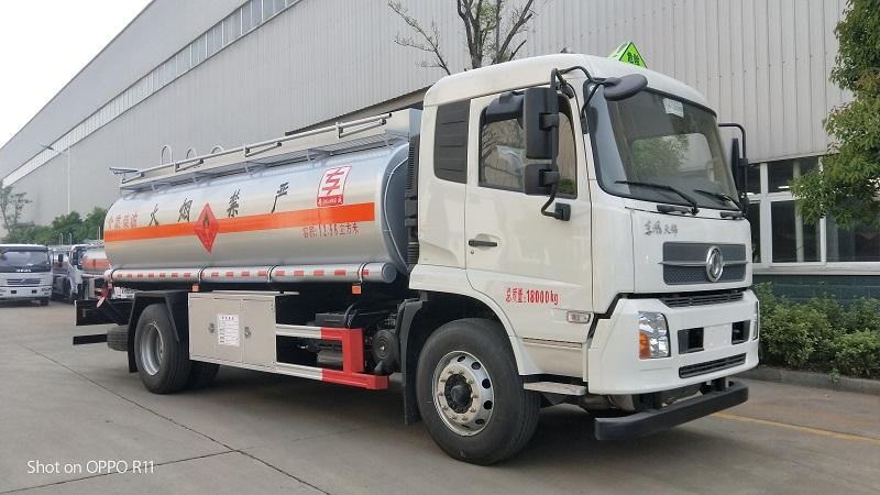 新規2020專威牌東風天錦氣囊橋12噸油罐車圖片  視頻視頻