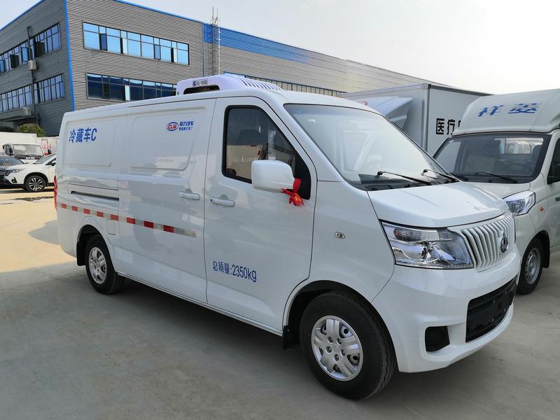 国六长安睿行M80面包式疫苗冷藏车