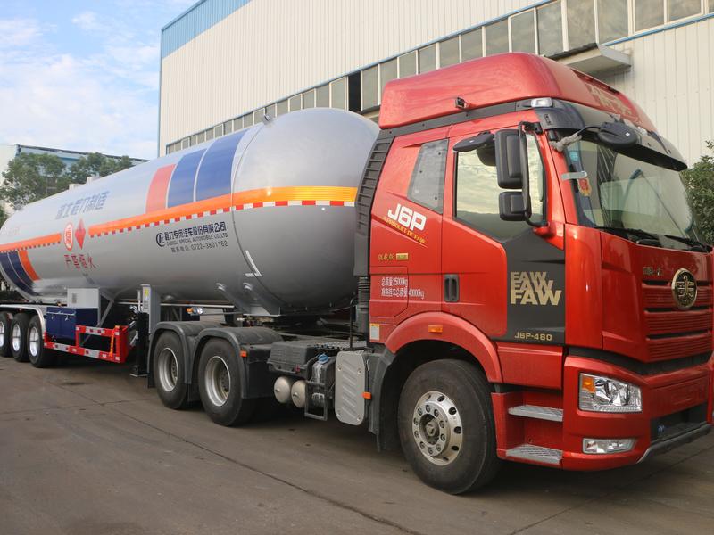程力液化石油气半挂运输车什么配置?