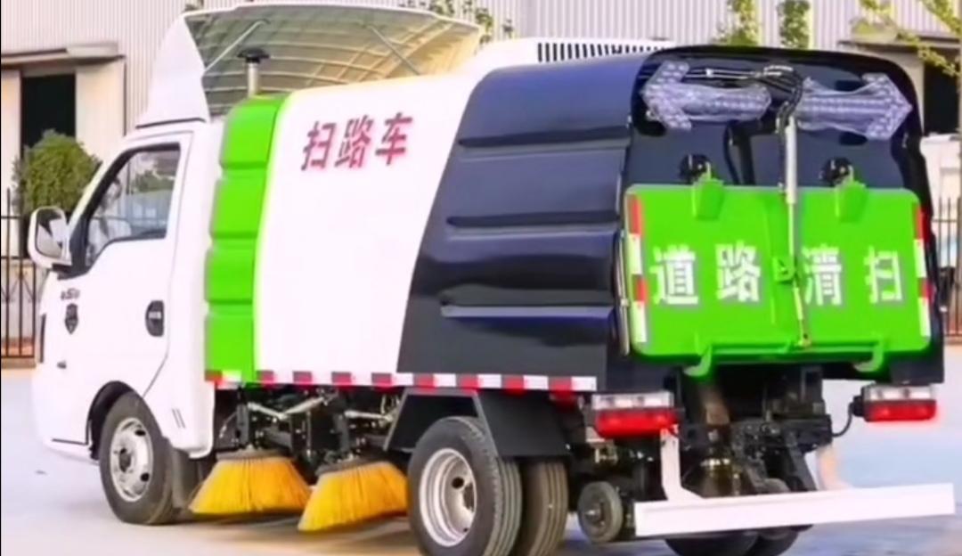 东风途逸国六最小巧扫路车视频