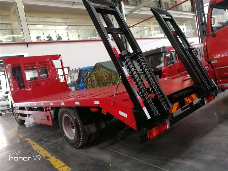 国5解放龙V平板运输车