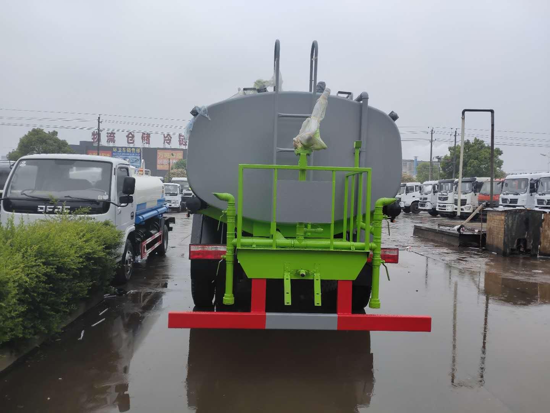 东风大多利卡D9洒水雾炮车价格,单桥绿化喷洒车,5吨一14吨消防洒水车哪里有卖?图片