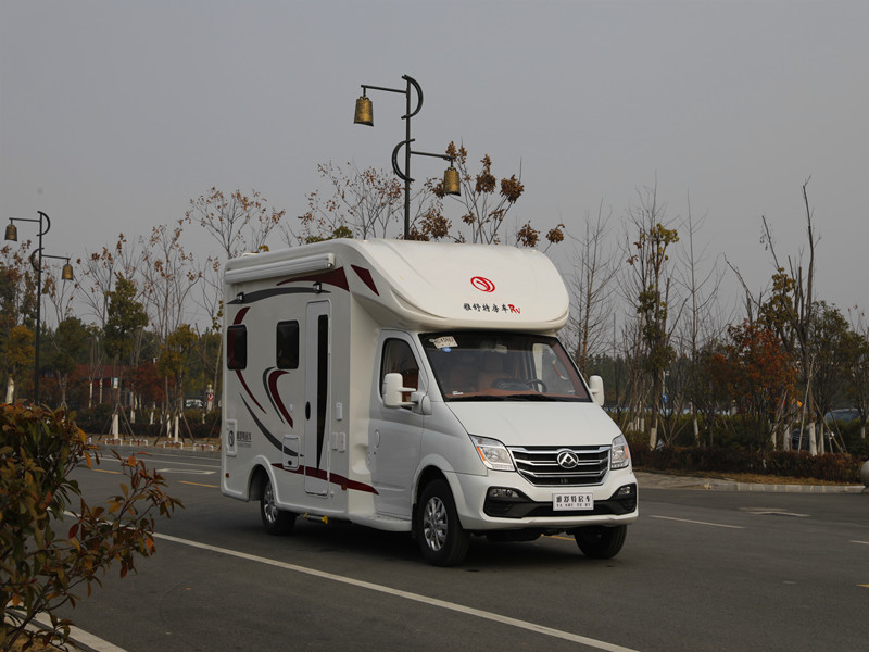 大通C型旅居车-个性化订制款C型房车-移动式房车图片