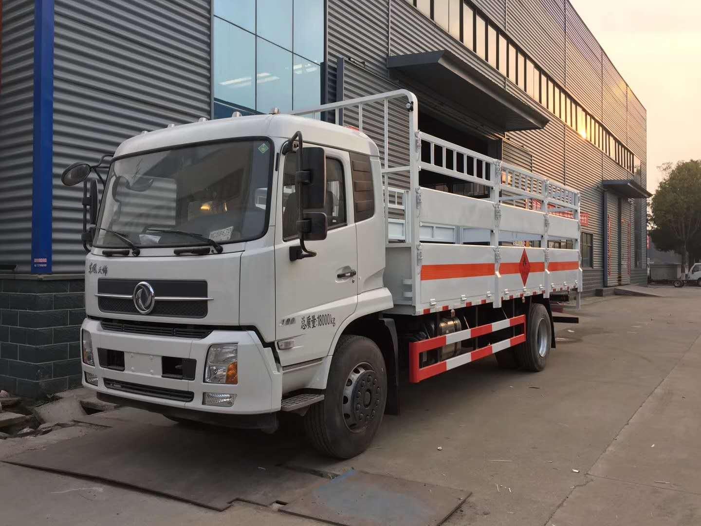 东风天锦6.6米载重10吨气瓶运输车