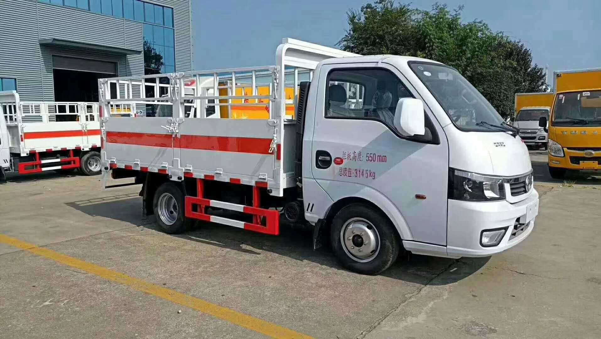东风途逸国六汽油3米气瓶运输车