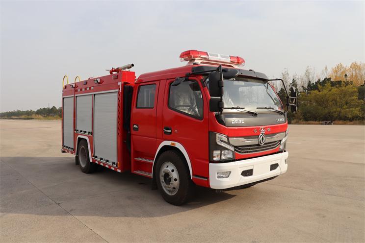 国六多利卡3.5吨水罐消防车