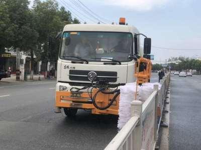 东风高速护栏清洗车图片厂家报价