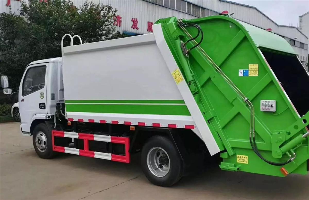 小型东风多利卡压缩式垃圾车6方图片