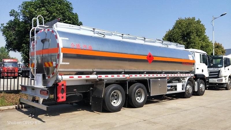汕德卡前四后八額載20.5噸30.4方鋁合金運油車現車視頻視頻