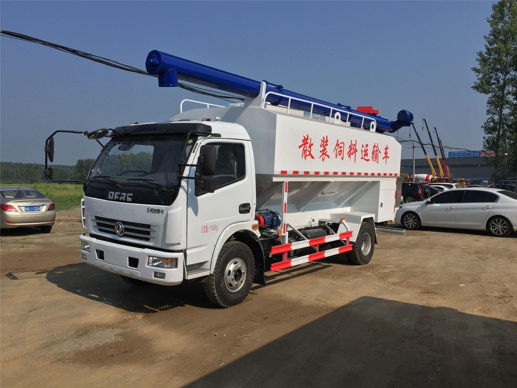国五东风多利卡12立方散装饲料运输车