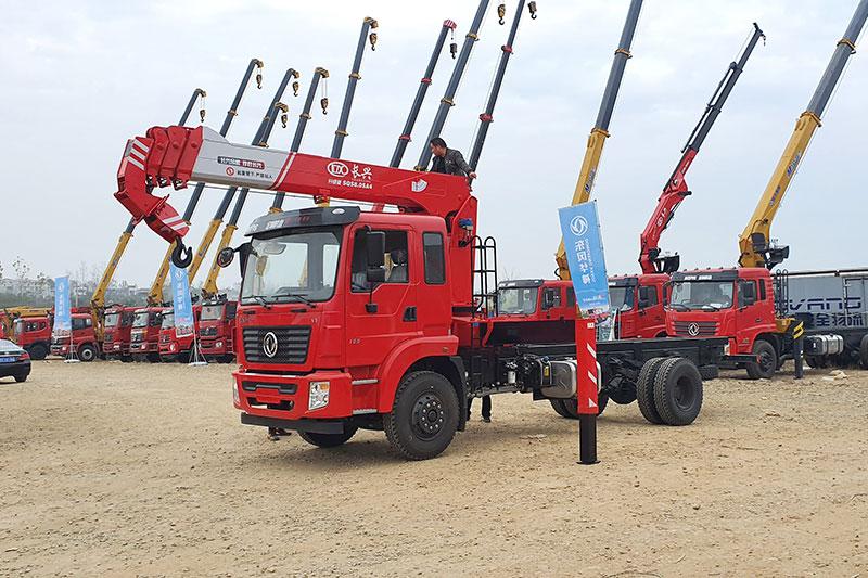 东风锦程长兴8吨随车吊