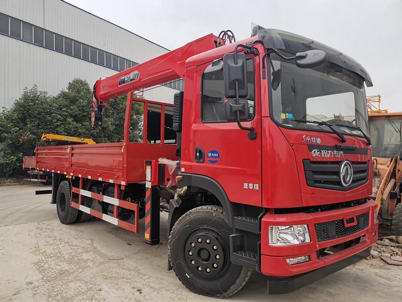 东风T5单排6米1车厢8吨随车吊
