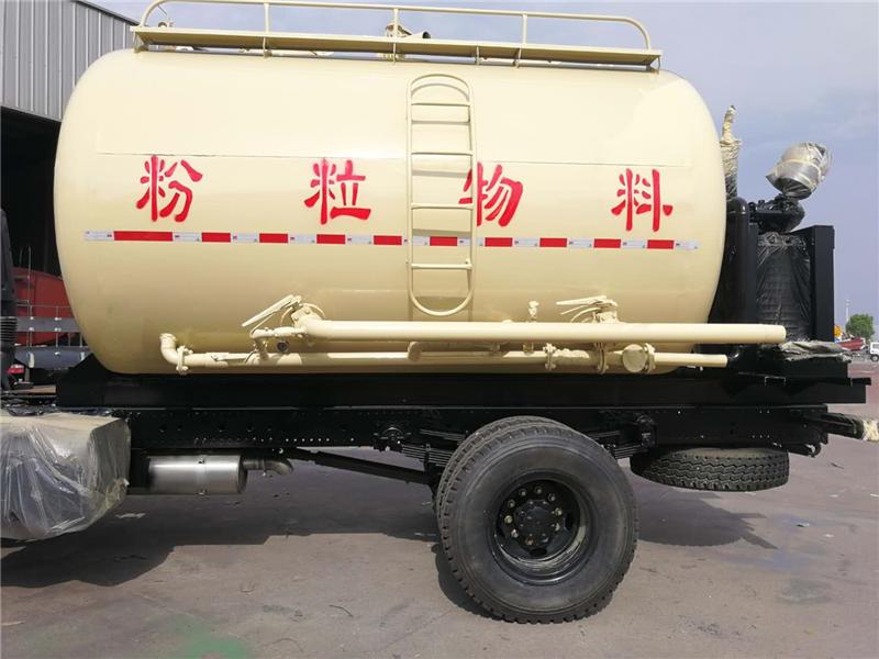 私人订制  特殊用途 粉粒物料15方罐车